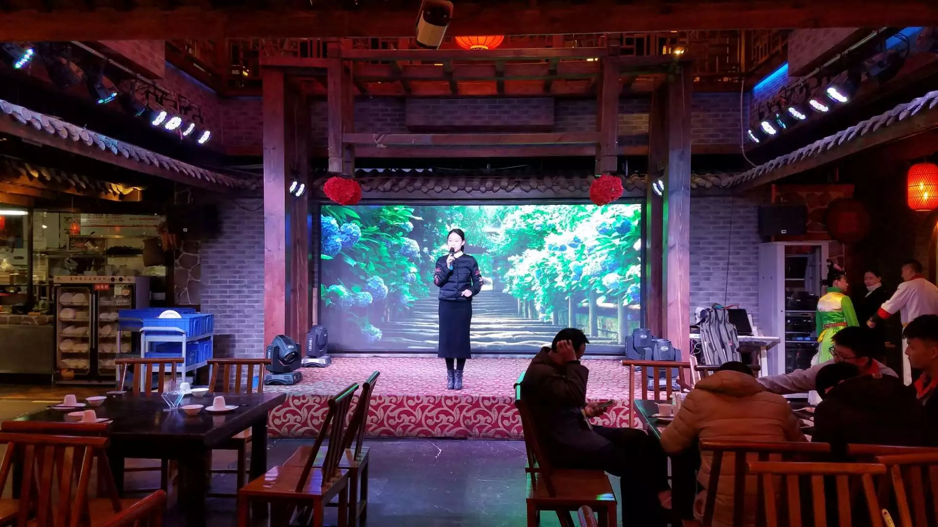 LED display solution for music bar
